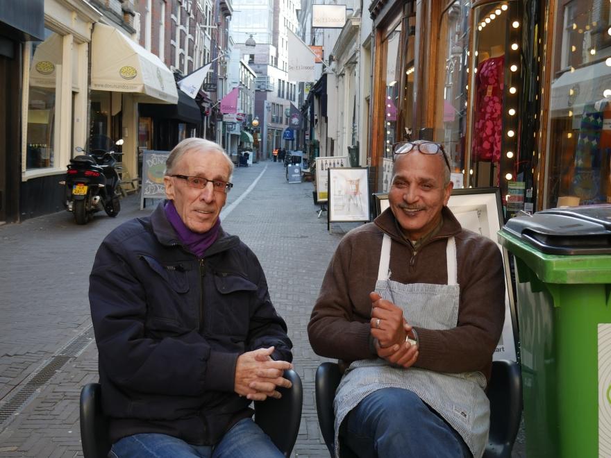 Ahmed &- Friend Kleinste Winkeltje-1
